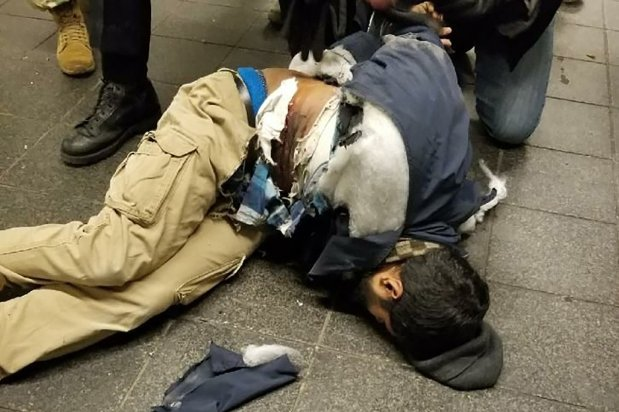 VIDÉO BREAKING : MOMENT de l'EXPLOSION à la STATION de métro de TIMES SQUARE Manhattan New York  Vidéo surveillance 11 12 2017 _11_12_2017